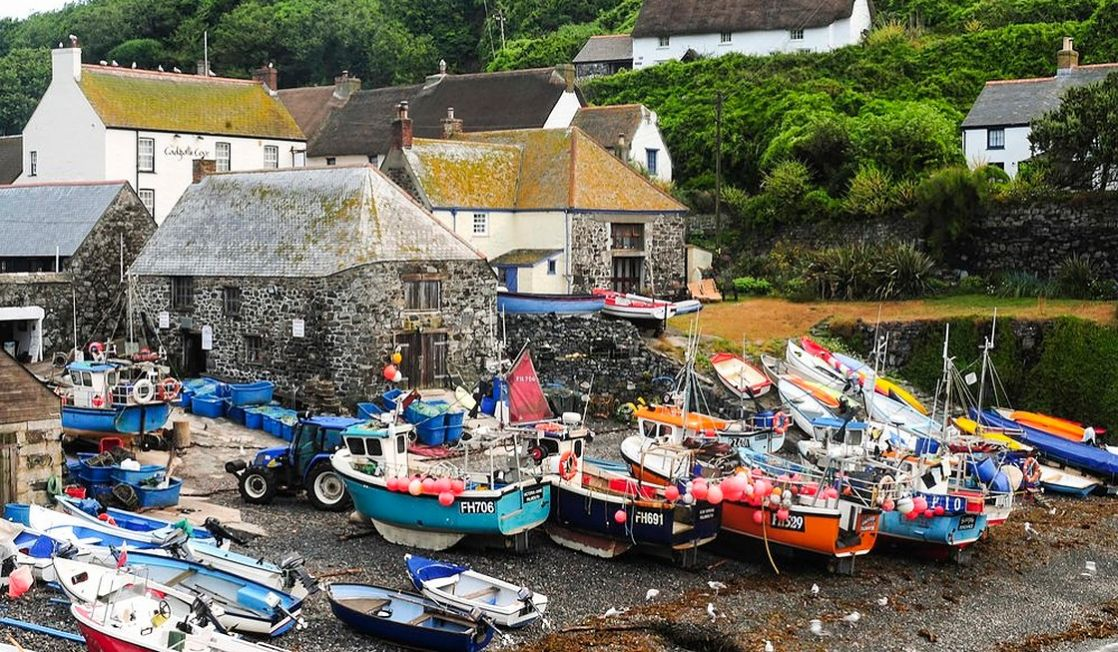 Cadgwith fishing cove at low tide